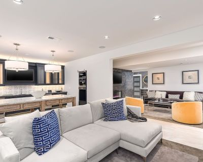 The Whitehouse Suite Your Personal Entertainment Space! - The Village of West Clay