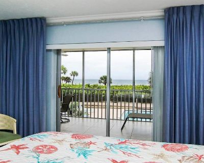 White Sands #13, Beachfront Condo, 2 Bedrooms, 2 Baths, Sleeps 6, Pool and Tennis - Sanibel