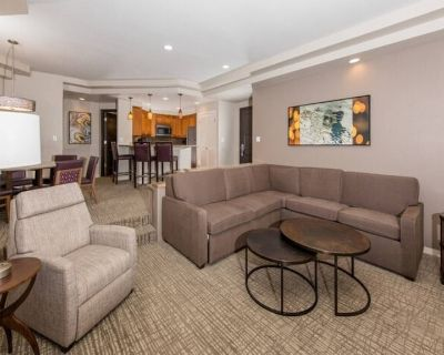 Premier Marriott Desert Springs Resort, Villas 1 (See Resort Website) - Palm Desert