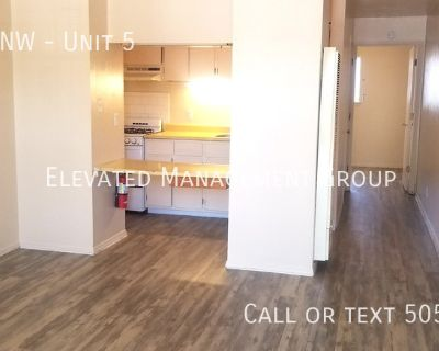 Cute NW apartment! New Flooring, Fresh Paint, Great Location!