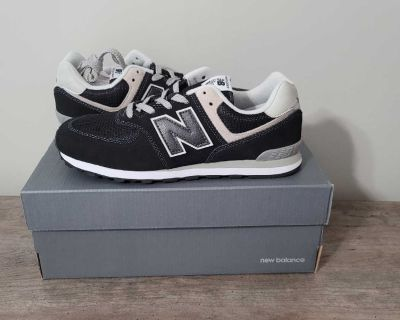 New Size 6 Youth New Balance Sneakers