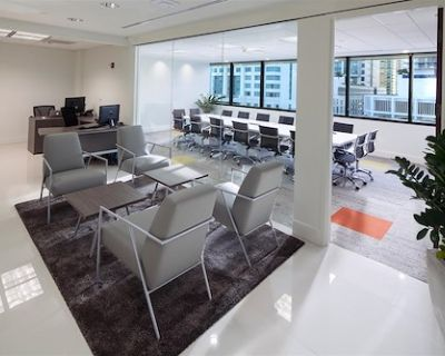 Group Office Space 24