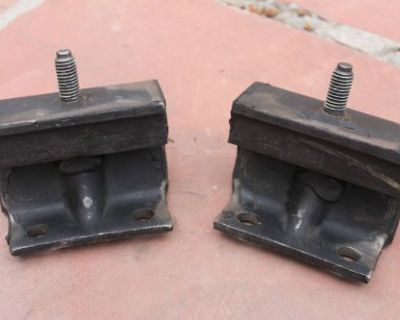 1961 - 1968 Lincoln Continental Motor Mounts Pair Nos New Old Stock Convertible