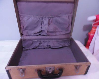 vintage Suitcase good condition