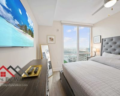 High Rise Lux Condo King Bed 23rd Floor Great Views! - Third Ward