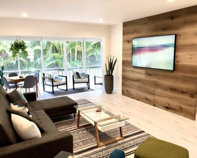 Contemporary, newly renovated condo within walking distance to the beach - Sanibel