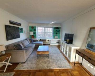 1704 W Abingdon Dr #Unit 201, Alexandria, VA 22314 1 Bedroom Apartment
