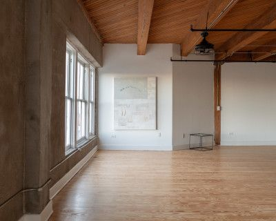 NSR Natural Light Minimalist Gallery Industrial Loft in Downtown Houston Warehouse District, HOUSTON, TX