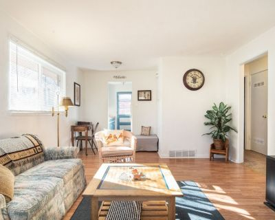 Nostalgic One-level Bungalow in perfect location! - Old Colorado City