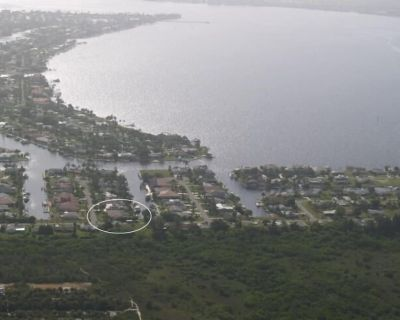 Boater's Dream - Only 10 Houses to Open Water! - Big Views - Pelican