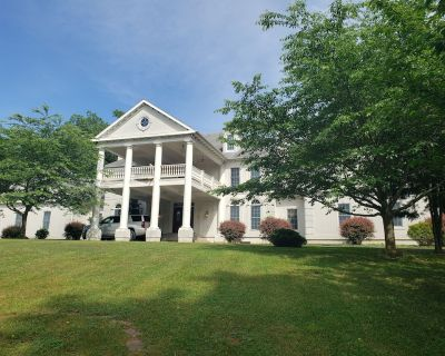 Harpers Ferry Colonial Estate with indoor pool - Harpers Ferry