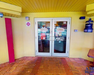 Freestanding Restaurant on Webber St