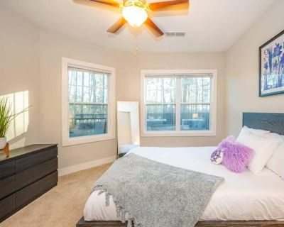 Viagem Bright 1BR with Workspace and Gym - Morrisville
