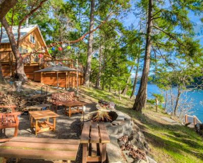 NEW LISTING! BEACH & DOCK ACCESS! AMAZING VIEW! (Neil Bay Waterfront Retreat) - Roche Harbor