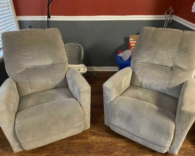 RECLINING/ROCKING CHAIRS