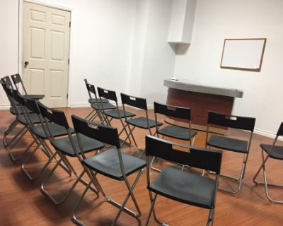 PRODUCTION STUDIO AVAILABLE FOR CASTING CALLS/AUDITIONS, MEET-UPS, TABLE READS, REHEARSALS, WORKSHOPS, PRESENTATIONS AND MORE., Glendale, CA