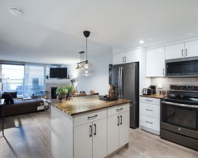 3 Bedroom Apartment with Private Patio in the Hub of Downtown Vancouver - Crosstown