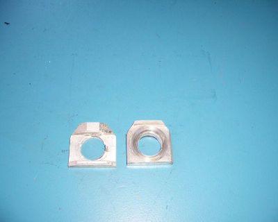 073 Suzuki Gsxr1000 Gsxr 1000 01 02 Rear Axle Blocks Chain Adjusters
