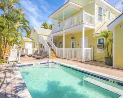 The Galleria - Claude Monet Suite #3 - Bahama Village
