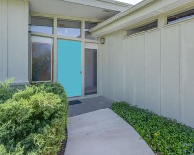 Private room with shared bathroom - Reno , NV 89512