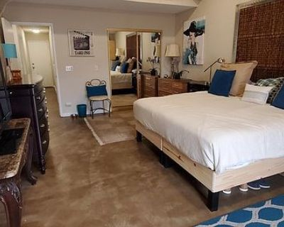 $400 per month room to rent in Spring Valley Lake available from September 24, 2021