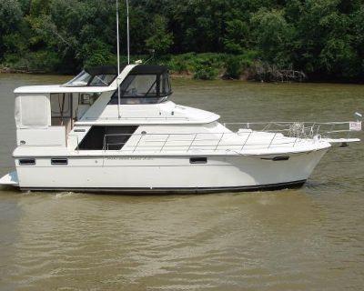 1988 Carver 4207 Aft Cabin Motoryacht