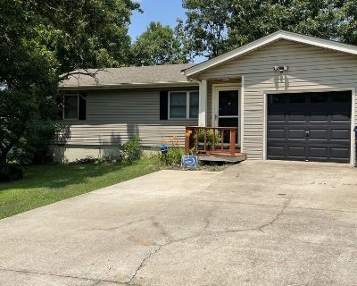 Ranch Style Home in Maumelle, Arkansas! - Maumelle