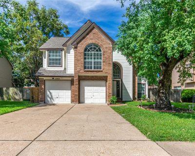 15818 Oak Mountain Drive, Houston, TX 77095