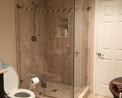 Summer Qtr – Private room and bath available in Redwood City home