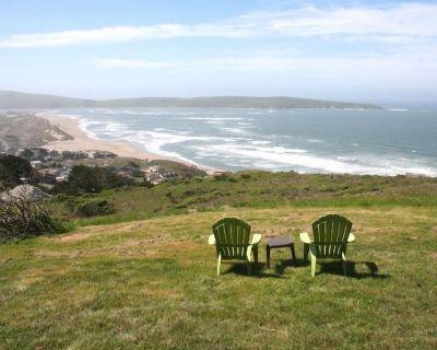 """""""Abalone Alcove""""PoolTable,HotTub, 2 min to Beach! - Dillon Beach"""