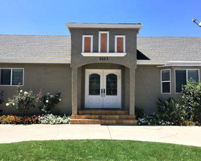 Spacious Luxury Home in Sherman Oaks - Sherman Oaks