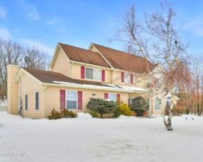 3307 Mountain Terrace Dr, Blakeslee, PA 18610 4 Bedroom House