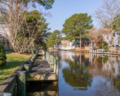 NEW LISTING 2021! Under New Ownership with Renovations Underway!! Charming vintage South Bethany Beach vacation home on a canal with deck and boat dock - South Bethany Harbor