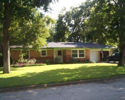 1608 Juanita Dr, Arlington, TX 76013 3 Bedroom Apartment