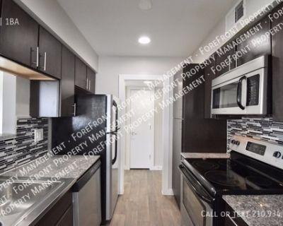 Updated 2 bedroom/1bath apartment near Ft. Sam Houston