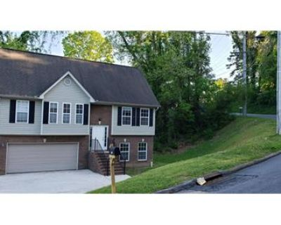 Big Spacious Home For Rent In Snellville