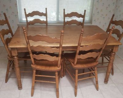 Solid Oak Kitchen Dining Room Table with Six Chairs