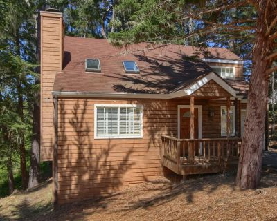 Holly Hill Cottage: 2 BR, 1.5 BA House in Cambria, Sleeps 4 - Lodge Hill