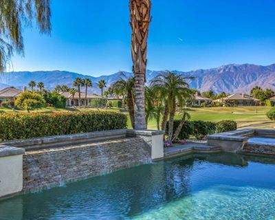 Pristine home w/ a wet bar, outdoor kitchen, private pool, & spa - Rancho Mirage
