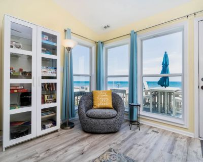Stunning oceanfront views just steps from the deck; steps, sand, waves! - Emerald Isle