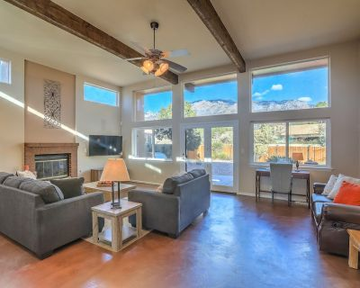 Private Retreat at the Base of the Sandia Mountains - Sandia Heights South