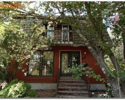 4 Bed 2 Bath Foreclosure Property in Danvers, MA 01923 - Green St