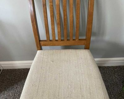 Oak table, chairs, cabinet and hutch