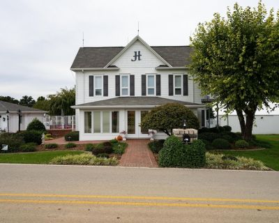 Uncle Joe's Bird Nest- Beautiful Country Home - 3 Bedroom, 2 &Half Bath- 3800 Sq - Borden