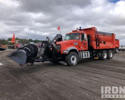 2014 Mack GU713 6x4 Snow Plow/Dump Truck