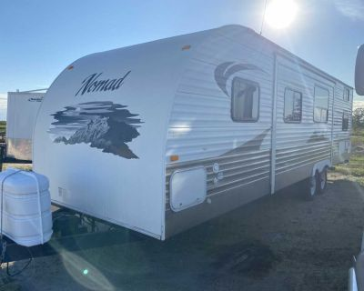 2012 Joey Nomad 33 bunk house