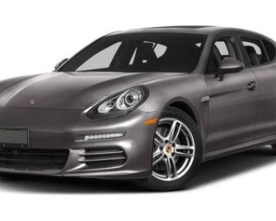 2016 Porsche Panamera Standard