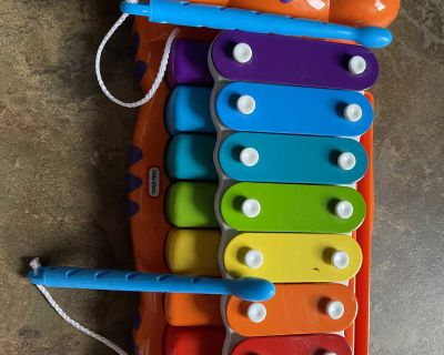 Musical xylophone and piano