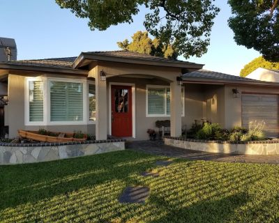 Designed for Entertaining! Fully Remodeled 3 BR/2 BA Bungalow w/Fireplace! - Mission Valley