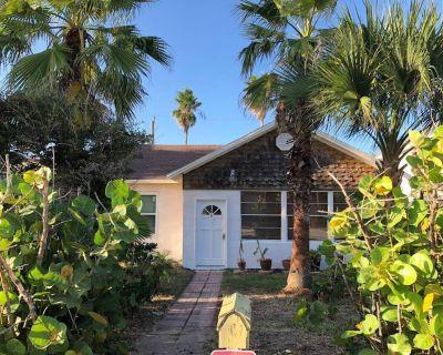 St. Augustine Beach Home, Short Walk to Beach - St. Augustine Beach